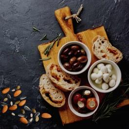Snacks for cheese and wine